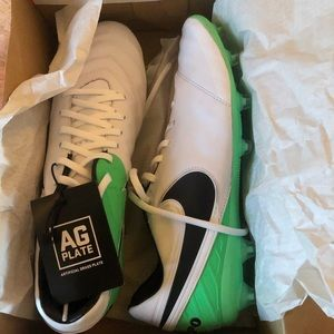 Soccer cleats for artificial grass